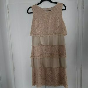 ADRIANNA PAPELL Beige Lace Ruffle Dress Sz 10 NEW